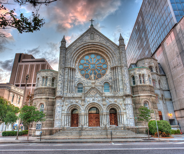 A beautiful Catholic Church in the middle of a city